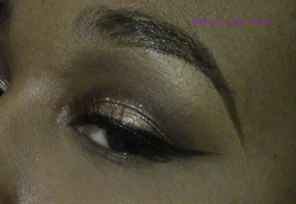 Festive Golden Glitter New Years Eve Makeup Eye1